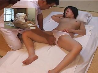 マッサージ|セックスはしないけどエロマッサージをする施術師[1]